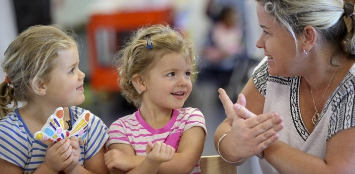 teaching sign language for a child with hearing disability